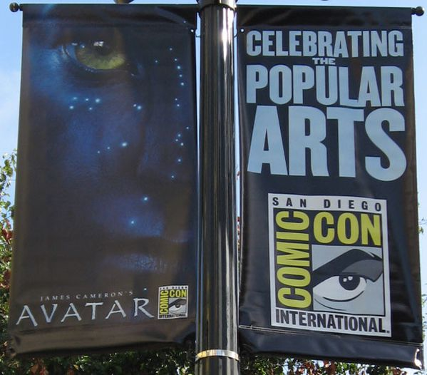 http://a31.idata.over-blog.com/600x526/2/80/44/63/JUILLET-2009/Avatar---Comic-Con-2009---Banni-re.jpg